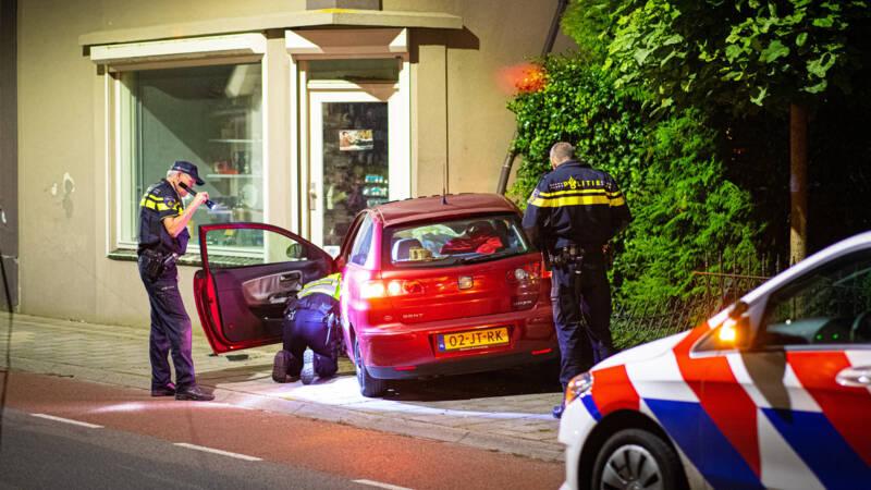 Vuurwapen in wc gevonden na botsing tegen woning in Heerde.
