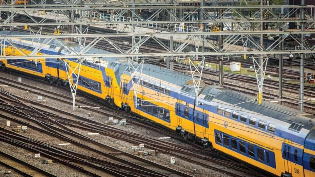 Bekijk details van Spoor defect tussen Amsterdam Centraal en Schiphol, uitval treinen