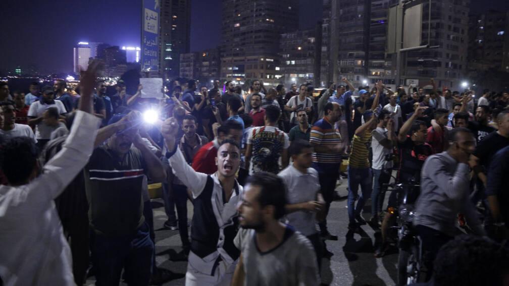 Bekijk details van Jonge Egyptenaren opgepakt na demonstraties tegen president Sisi