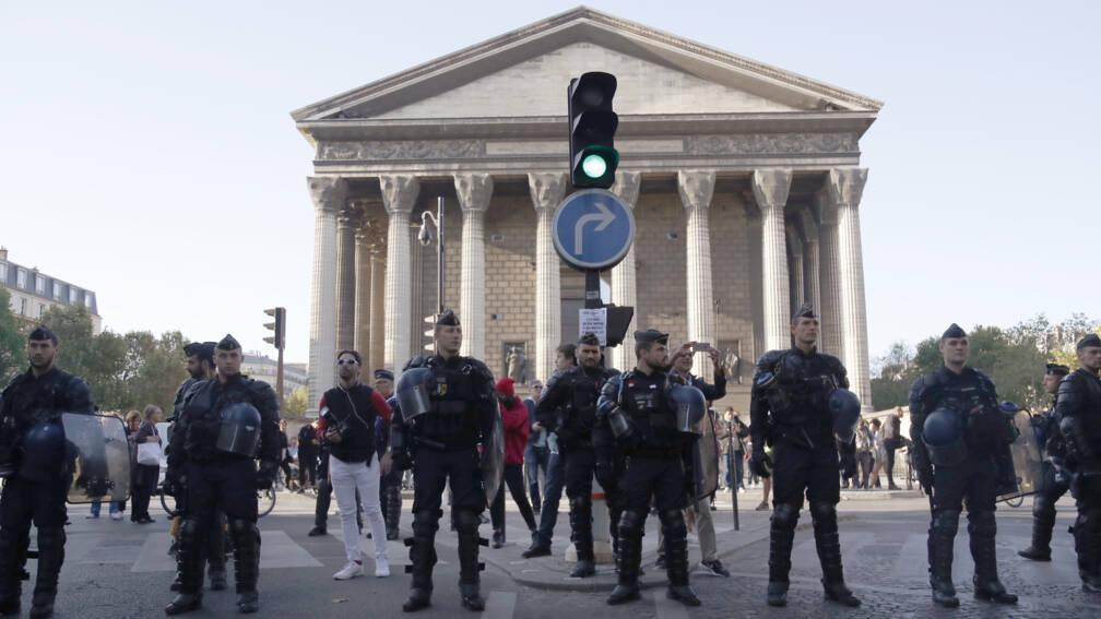 Bekijk details van Gele hesjes weer de straat op in Parijs, 39 demonstranten opgepakt