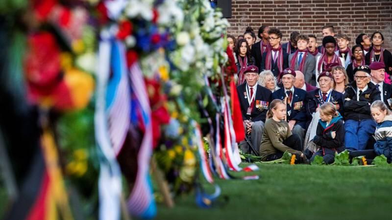 Arnhem stuurt stokoude veteranen weg bij herdenking