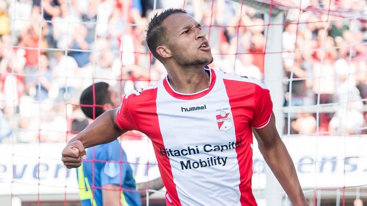 Emmen leidt na 0-2 achterstand tegen Feyenoord, PSV met Sadílek tegen Ajax