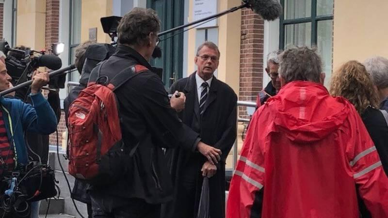 Windmolenactivist langer in voorarrest, ongeloof bij familie en vrienden