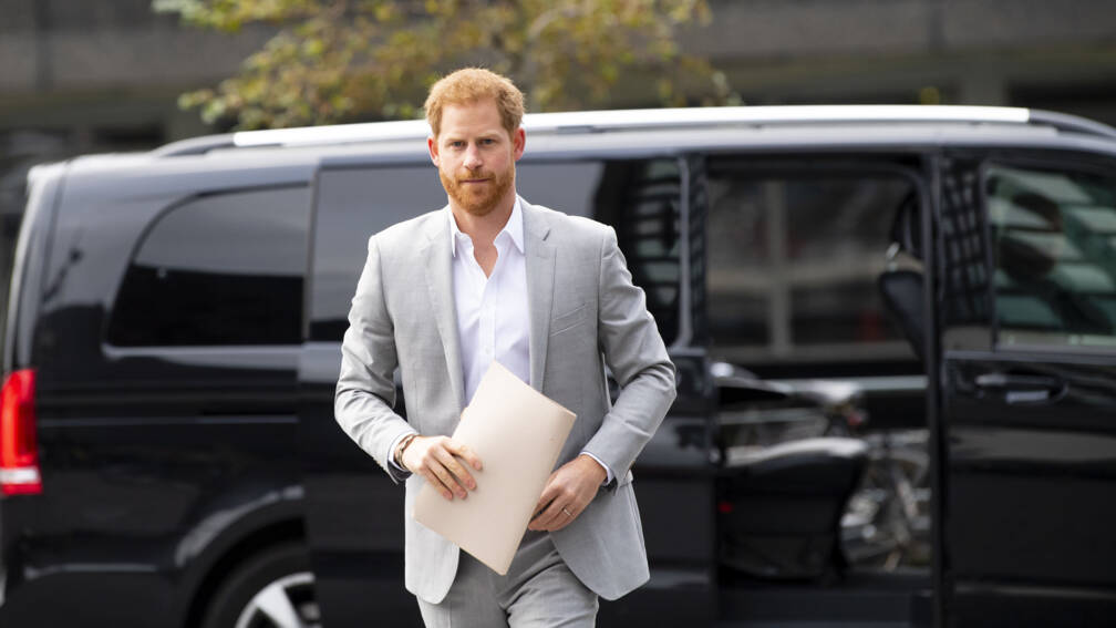 Prins Harry naar rechter om hacken voicemail