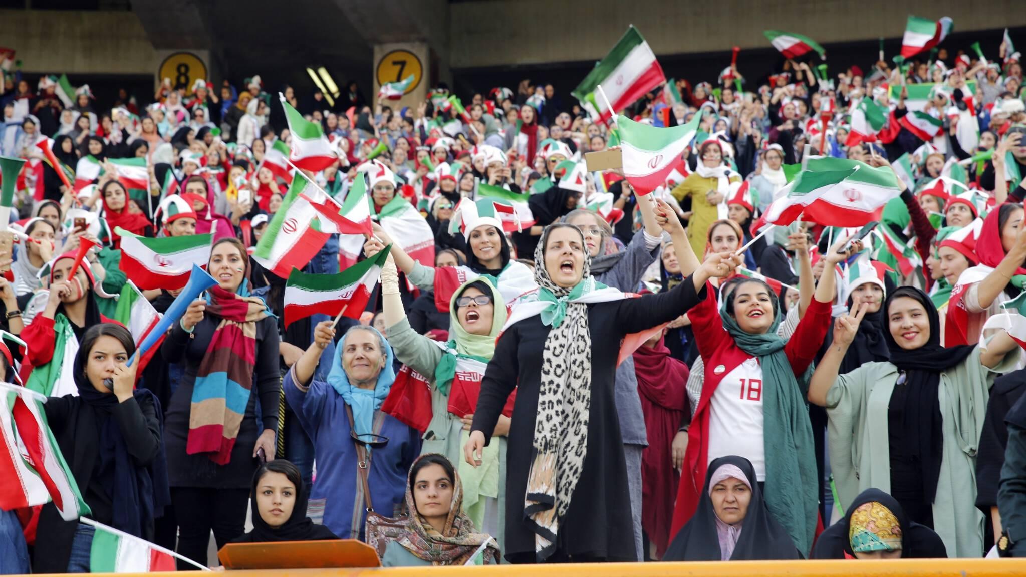 Iranian female fans at the Iran-Cambodia match, ANP photo