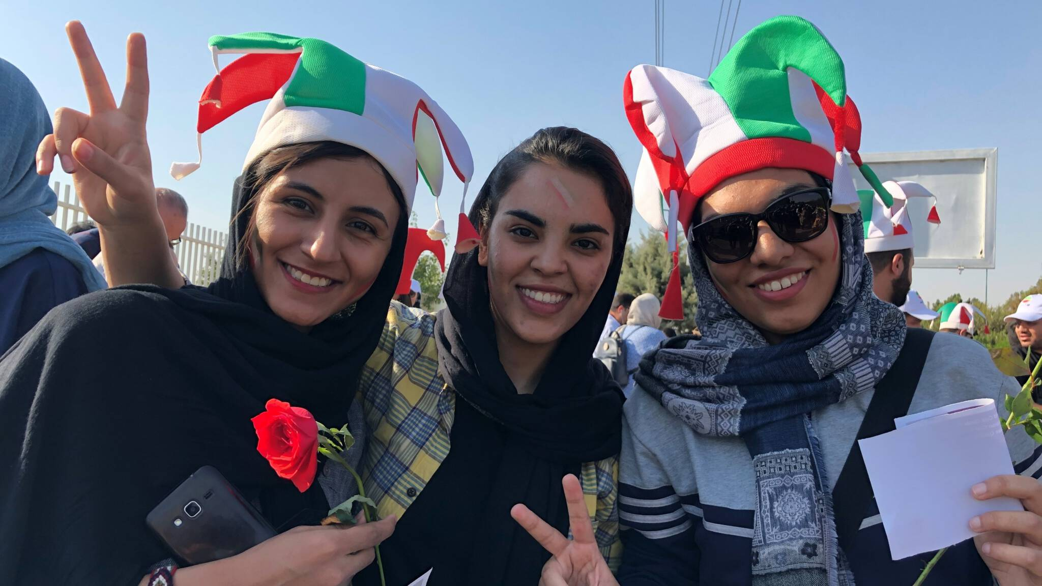 Iranian women fans in the stadium, photo by NOS / Marcel van der Steen