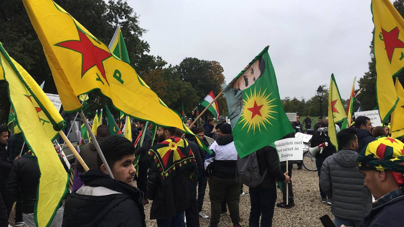 Dutch-Kurdish demonstrators arriving in The Hague today, NOS photo