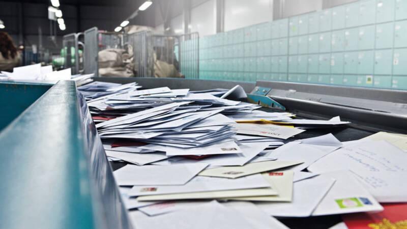 Postbode Breda verbergt 12.000 brieven en pakjes in zijn schuur