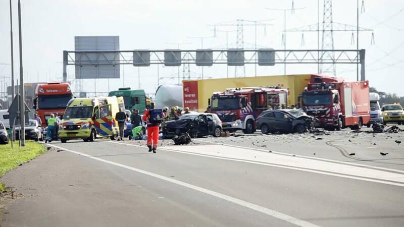 Drie doden bij ongeval op A2, snelweg richting Amsterdam dicht.