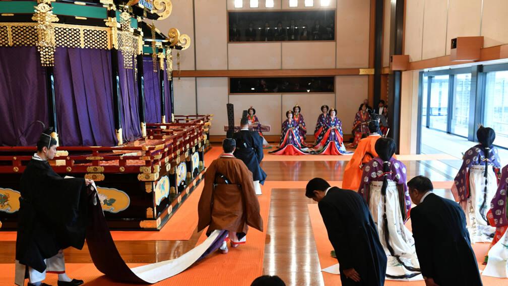 Japanse keizer Naruhito met eeuwenoude ceremonie ingehuldigd