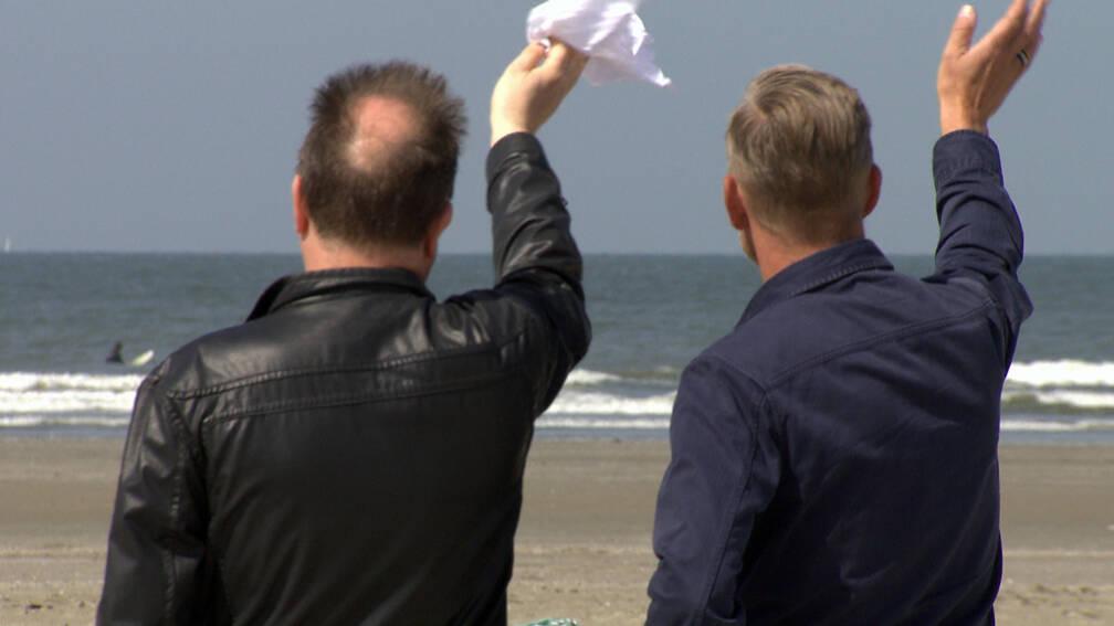 Bekijk details van Brexit aan Zee gooit roer om: van afscheid nemen naar liefs toezwaaien