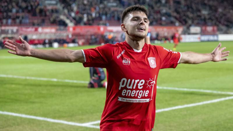 FC Twente doorbreekt negatieve spiraal met zege op FC Emmen