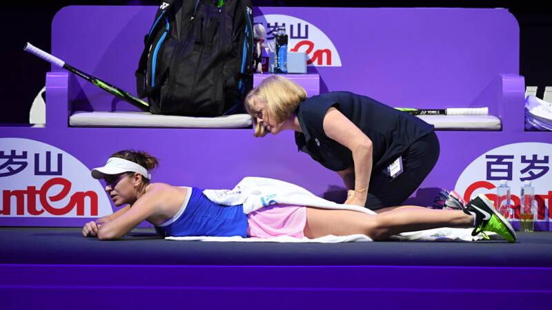 Bencic vierde blessuregeval WTA Finals, Barty en Svitolina in eindstrijd