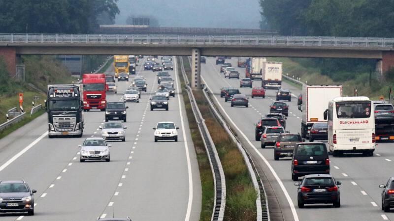 32 gewonden bij busongeluk op A1 bij Hamburg.