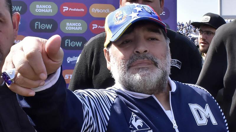 Na acht wedstrijden is Maradona weer weg bij Gimnasia - NOS