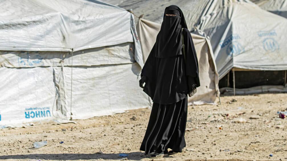 Bekijk details van Teruggestuurde IS-vrouwen blijven twee weken langer vastzitten