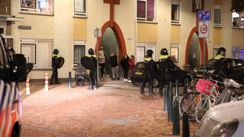 Opnieuw onrustig in Haagse wijk Duindorp, jongeren stichten brandjes