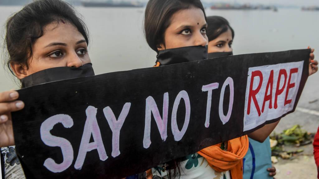 Politie India Doodt Vier Verdachten Van Verkrachting En