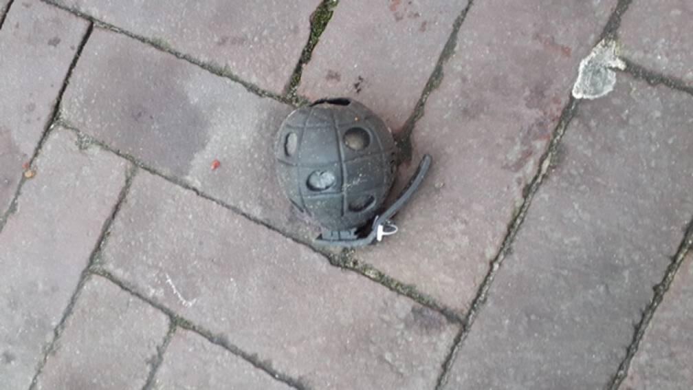 Bekijk details van Bomalarm in Zandvoort: 'handgranaat' blijkt stressbal te zijn