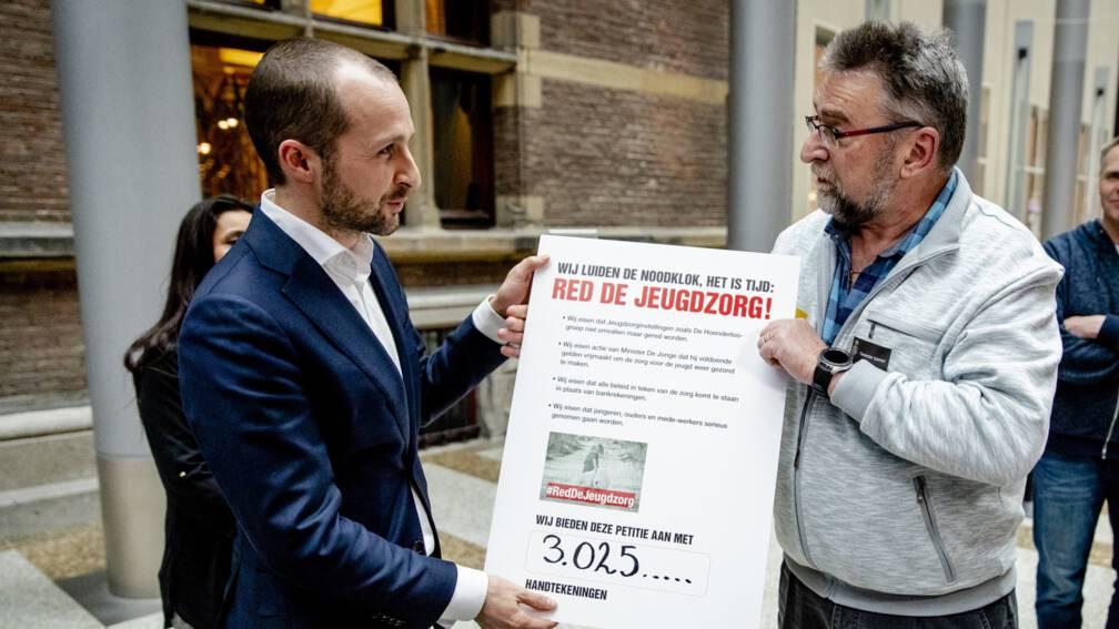 Bekijk details van Minister De Jonge: geen jeugdzorg-jongeren Hoenderloo tussen wal en schip