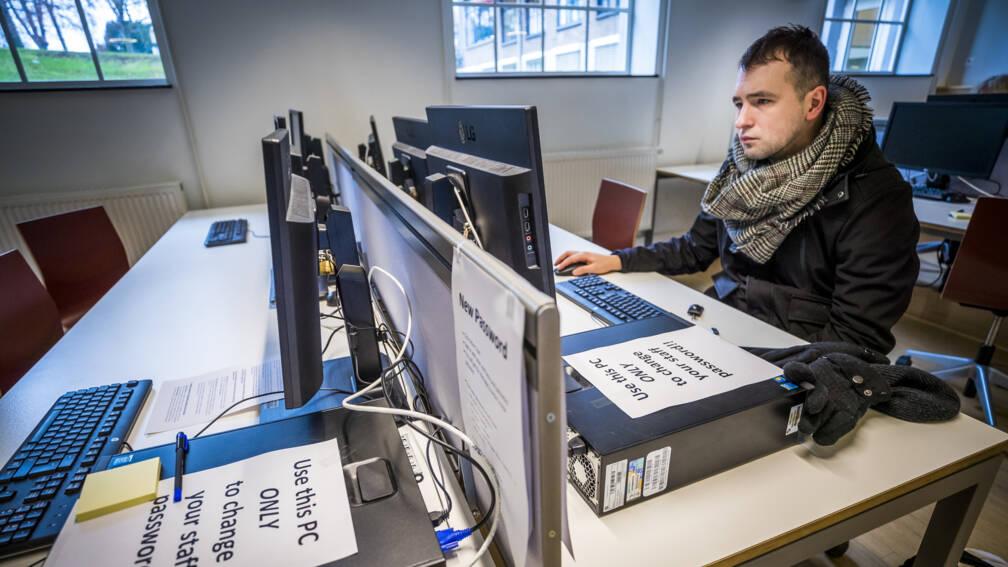 Bekijk details van 'Universiteit Maastricht moest hackers betalen om gegevens te redden'