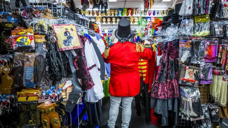 Kick Out Zwarte Piet let op racistische outfits met carnaval