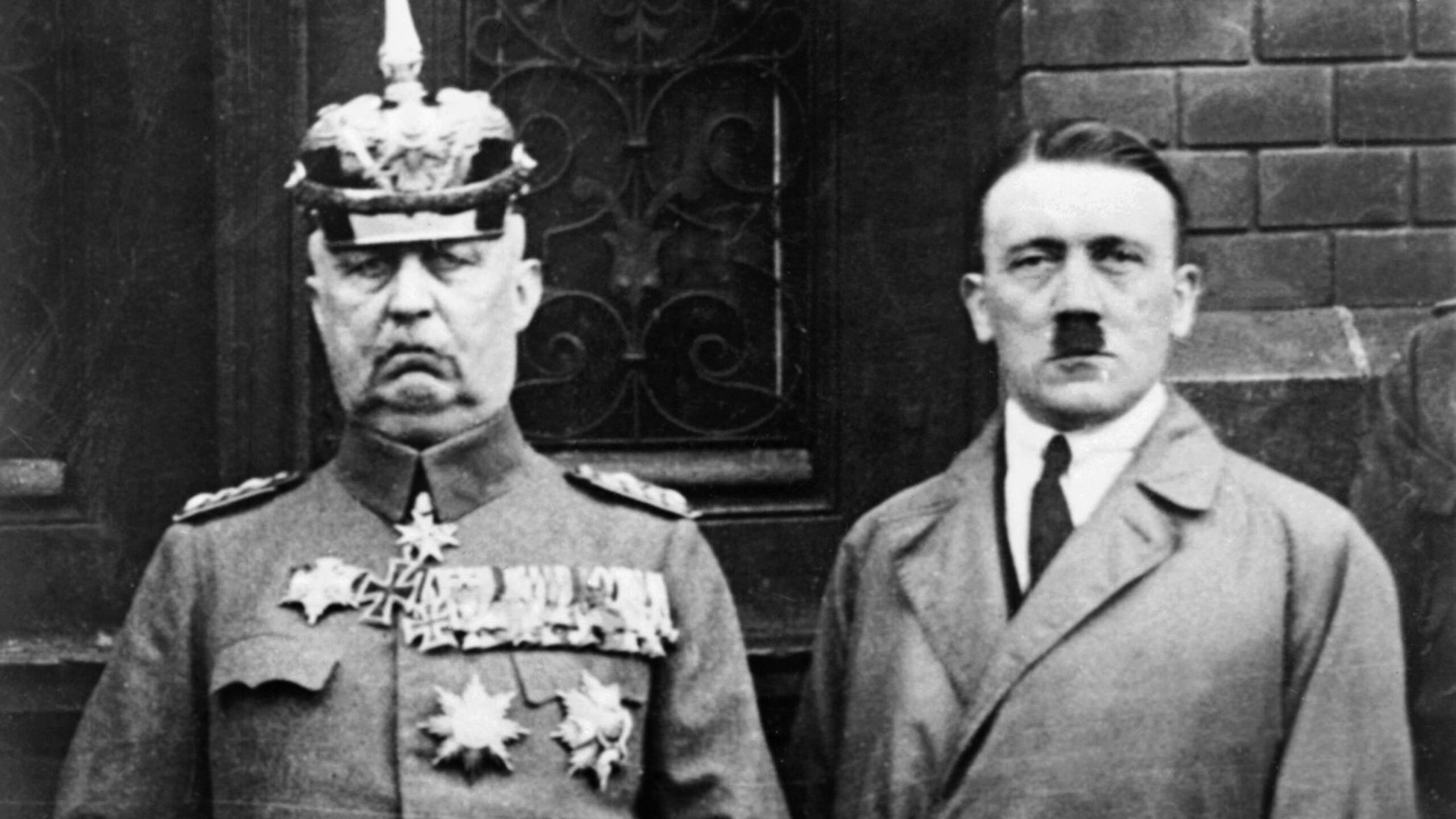 Paul von Hindenburg and Adolf Hitler in 1933, AFP photo