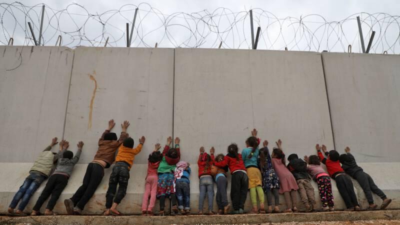 Voor de zoveelste keer vluchten, ditmaal tot aan de Turkse grensmuur