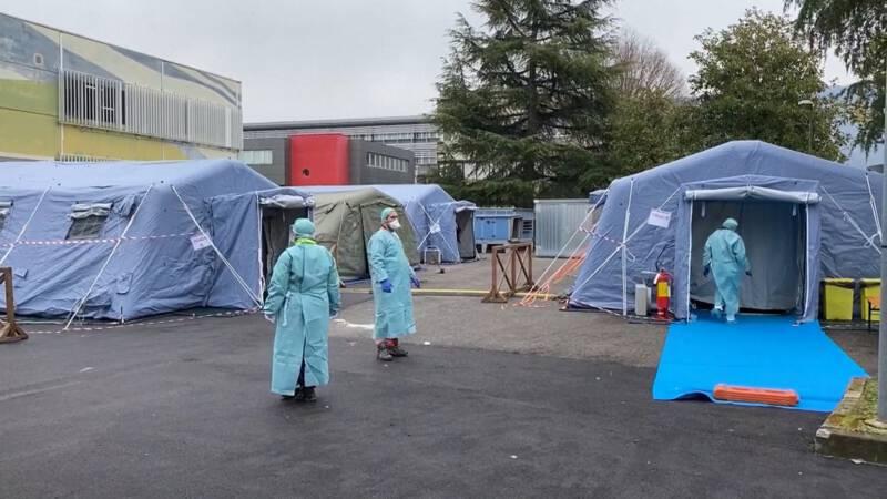 Noodkreet Italiaanse verpleegkundige: 'Wij bepalen wie leeft en wie doodgaat'
