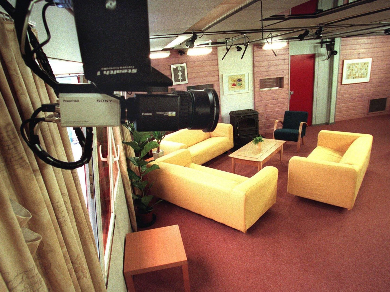 Deelnemers Duitse Big Brother Huis Weten Nog Niks Van Corona Tot Vanavond Nos