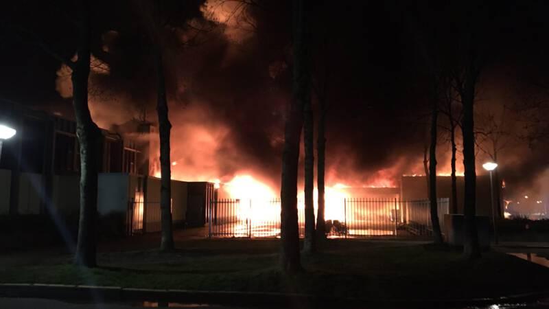"""Wat droevig: """"Grote brand in basisschool Lelystad"""" -. #onderwijs"""