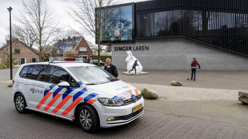 Bekijk details van Extra beveiliging bij Singer Laren na diefstal Van Gogh
