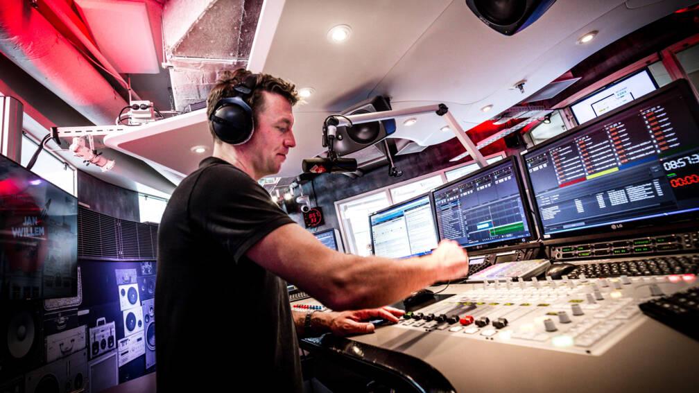 Bekijk details van Oproep aan radiostations: draai alleen muziek van Nederlandse bodem
