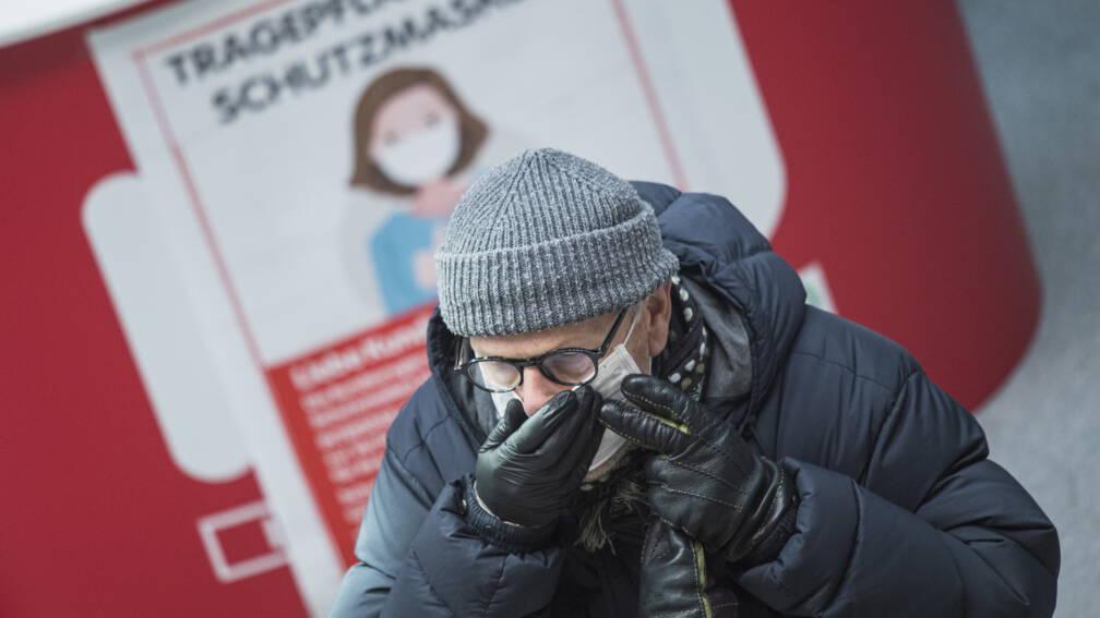 Bekijk details van Oostenrijk zwakt zeer strenge maatregelen geleidelijk af
