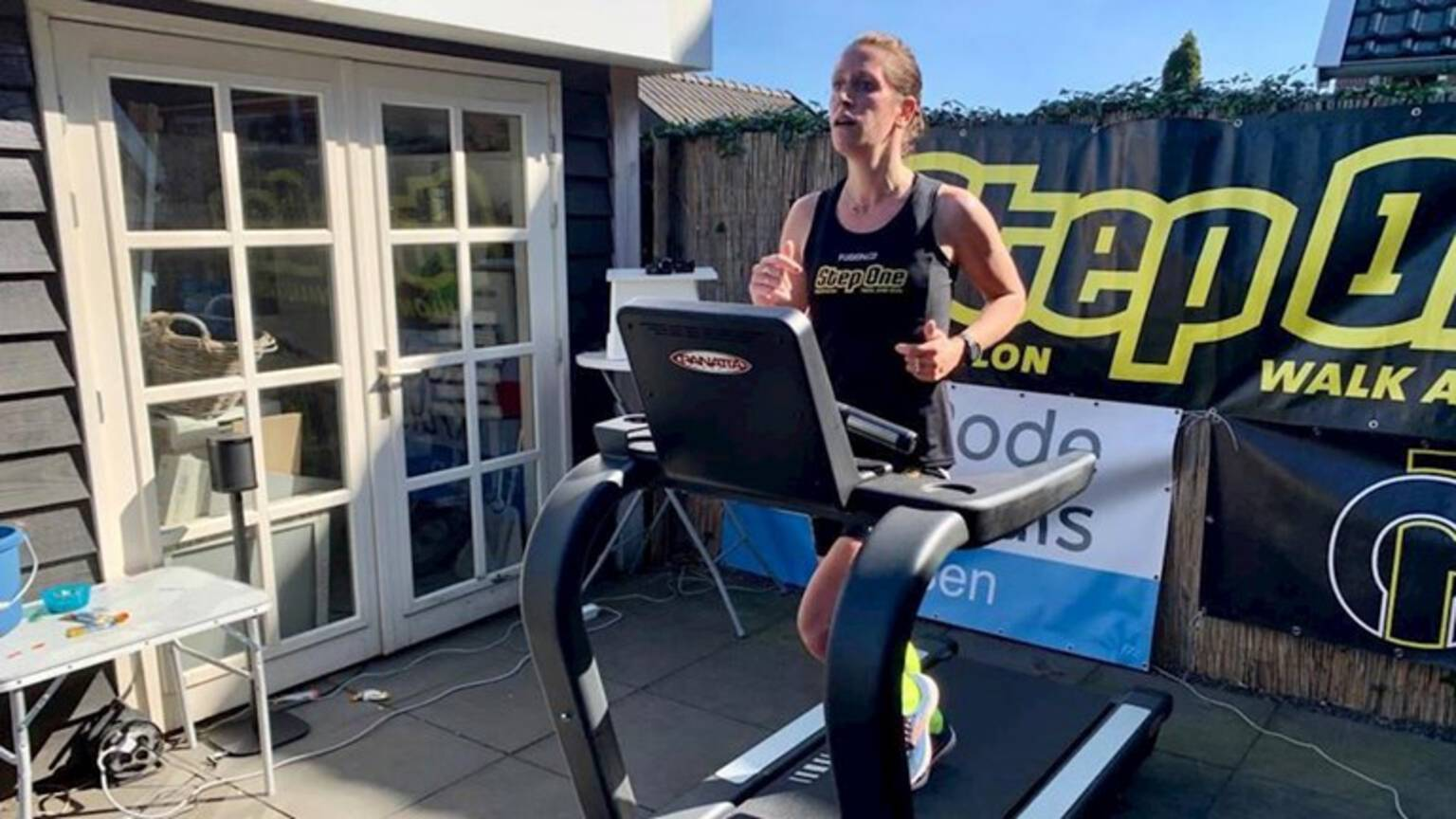 Sabine Wassink during her world record treadmill marathon, photo by RTV Oost