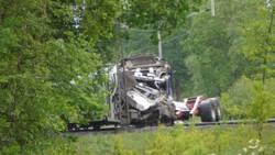 Machinist omgekomen bij botsing tussen trein en aanhanger in Hooghalen.