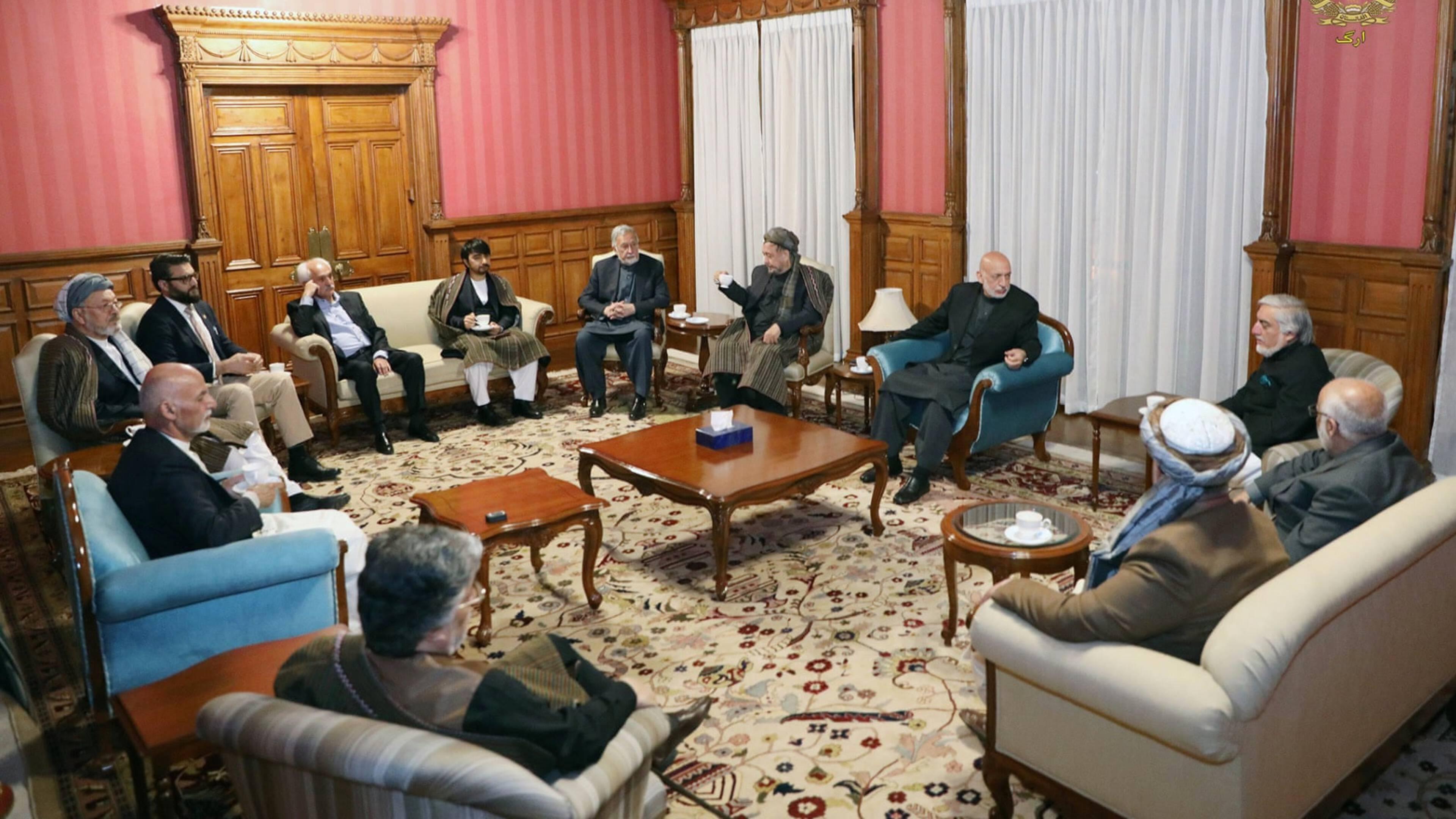 Zorgen Na Foto Afghaanse Regeringsbijeenkomst Waar Zijn De Vrouwen Nos