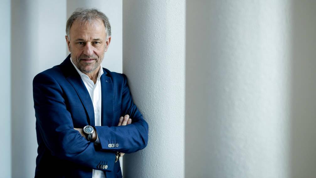 Bekijk details van Oud-burgemeester Heijmans in conflict met gemeente Weert om correspondentie