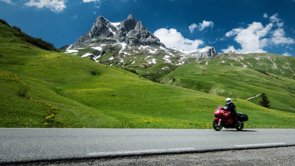 Bekijk details van Luidruchtige motoren verboden op bergwegen in Tirol
