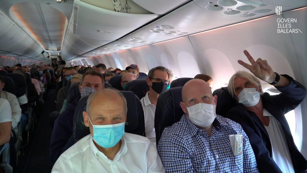 Duitse Testtoeristen Gaan Zien Of Spaanse Eilanden Coronabestendig Zijn Nos