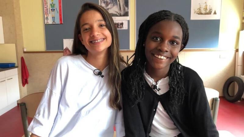 Carla en Sena bedenken les over racisme