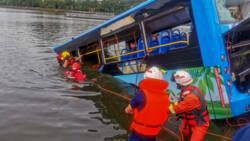 Meer dan twintig doden bij busongeluk China.