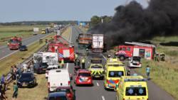 Dode en gewonden bij ernstig ongeluk A6 Friesland.