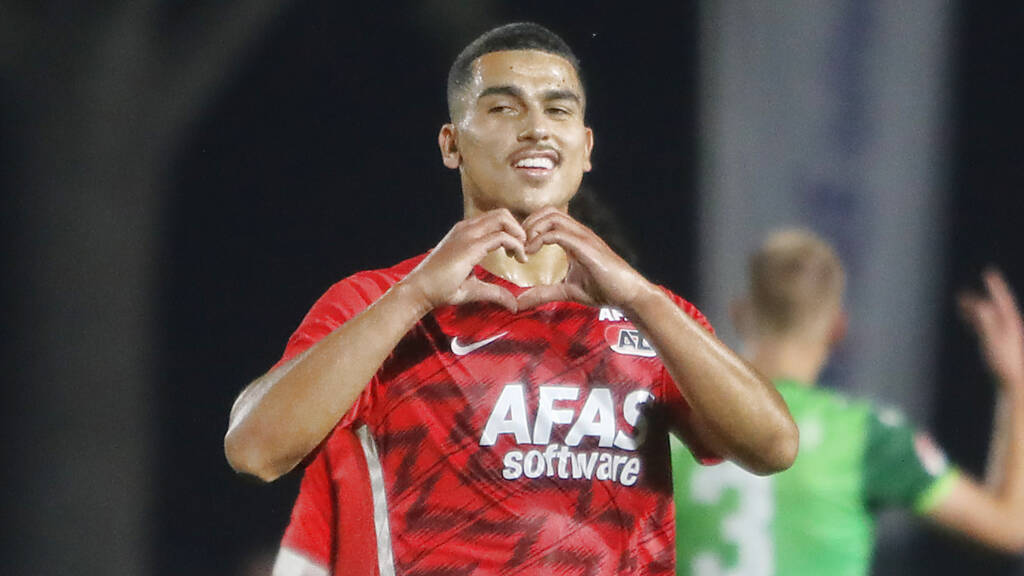 Jong AZ geeft titelkandidaat De Graafschap oplawaai (7-3) | NOS