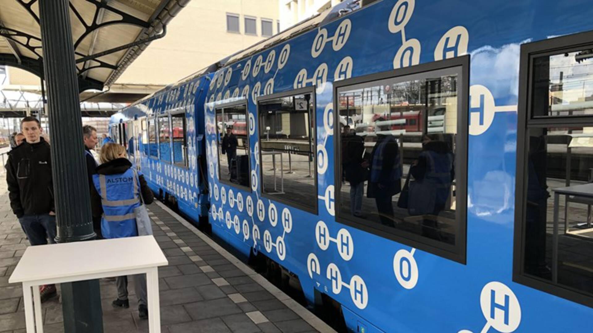 NOS: Waterstoftrein vervangt dieseltrein in Groningen.