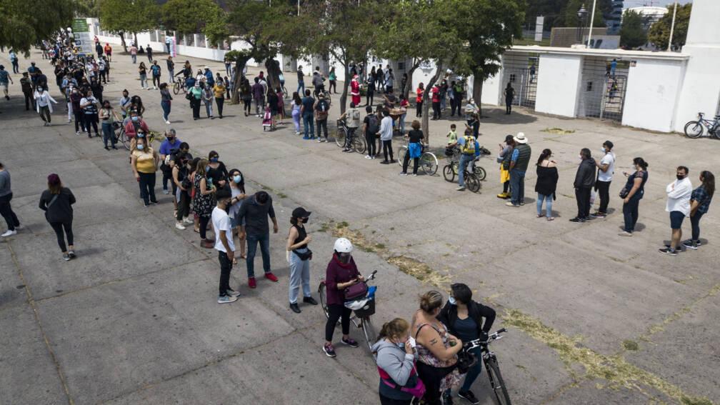 Komt er een nieuwe grondwet? De stembussen in Chili zijn open