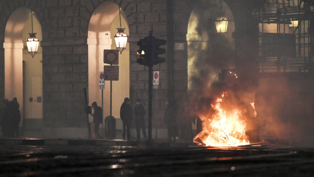 Verzet in Italiaanse steden tegen strengere coronaregels