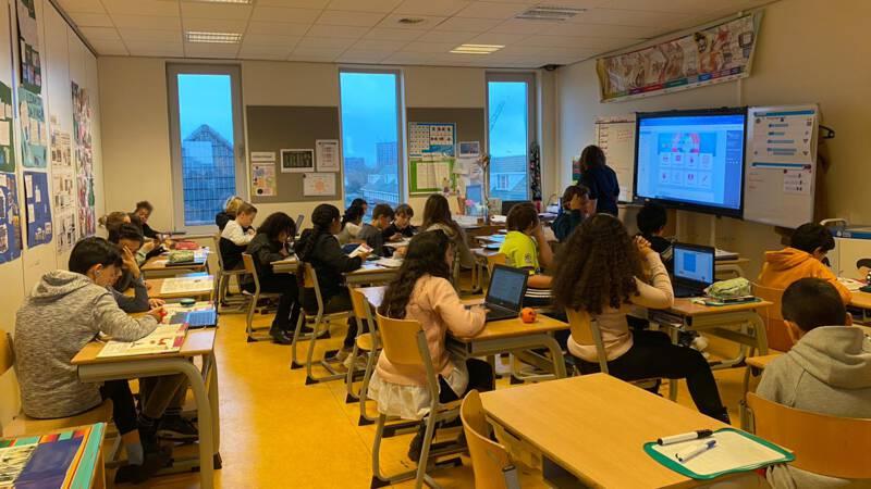 Minister Slob tegen leerlingen: houd rekening met zittenblijven - NOS