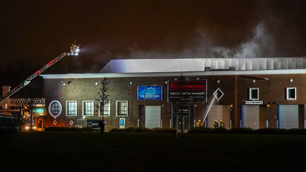 Brand in monumentaal CAB-gebouw in Utrecht onder controle ...