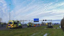 Vrouw overlijdt na ongeluk op A2 bij Nieuwegein, kickbokser Van Roosmalen gewond.